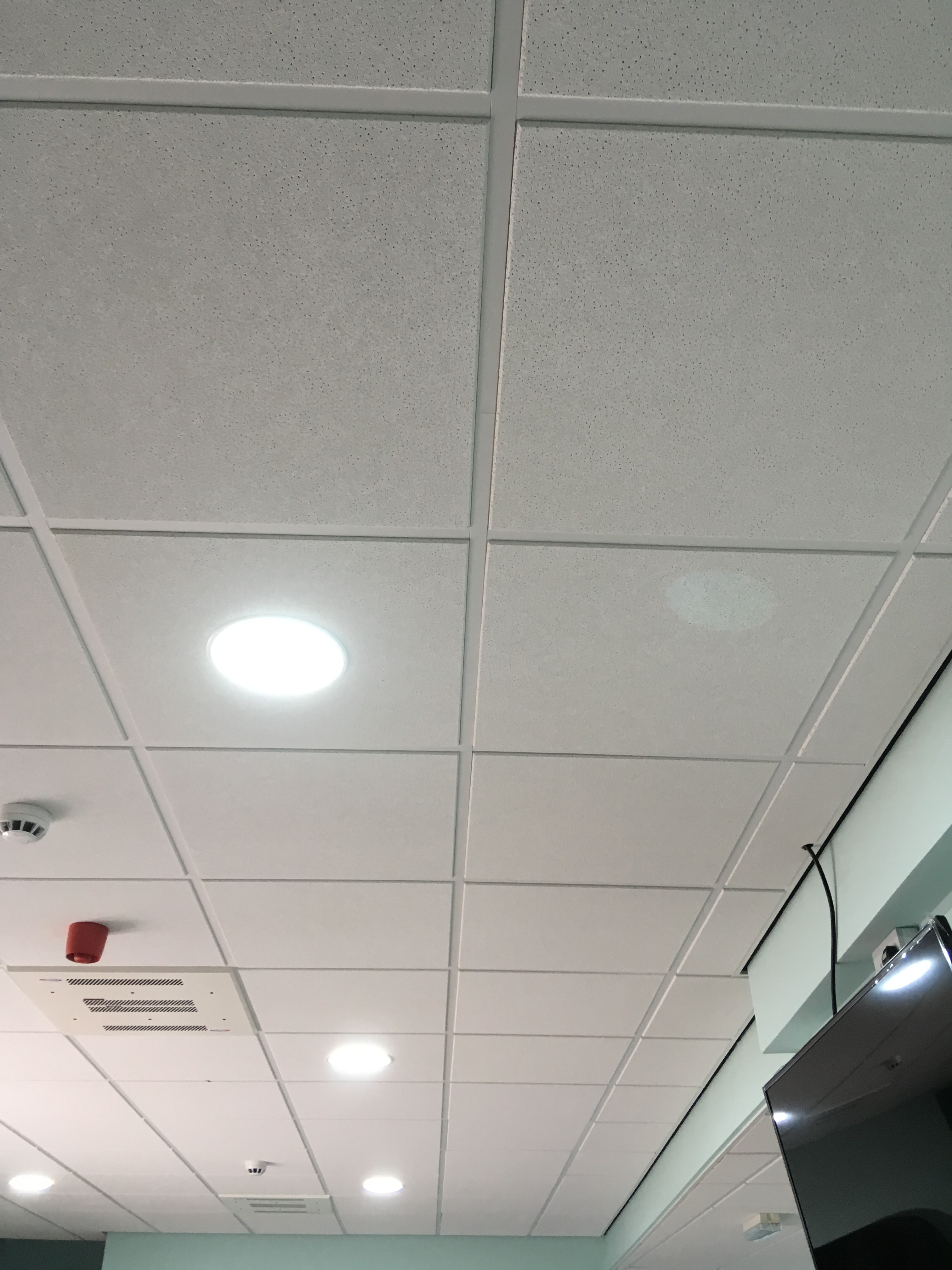 c rs down ceiling a applications en wid hei spectrum linlt tiles commercial exterior parking solutions mwts ceilings irvine panels photos spect garage us armstrong drop